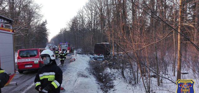 27 stycznia o godzinie 3:40 jednostka OSP Majdan Królewski została zadysponowana do zdarzenia drogowego na DK nr 9 w Komorowie. Po dojeździe na miejsce okazało się że ciężarówka przewożąca akumulatory […]