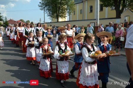 Zobacz fotorelację z Dożynek gminnych w Majdanie Królewskim (313 zdjęć). Kliknij na zdjęcie poniżej…