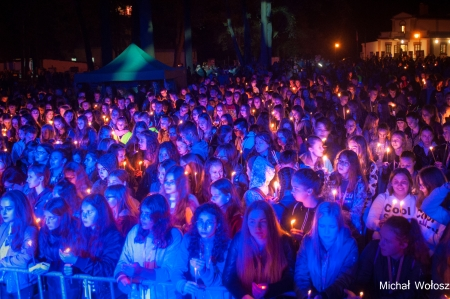 Krótka fotorelacja z przebiegu II dnia Diecezjalnych Dni Młodych w Majdanie Królewskim (257 zdjęć). Koncert Zespołu Luxtorpeda. Kliknij na poniższe zdjęcie, by zobaczyć więcej…