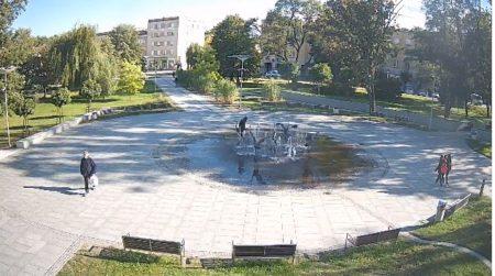Kamera z widokiem na plac Gryczmana ( Planty) w Nowej Dębie