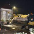 Około godziny 23:00 zakończył się pierwszy etap przesuwania Kapliczki przy skrzyżowaniu ulicy Jagiellońskiej z ulicą Tarnobrzeską. Cały proces przesuwania trwał ponad cztery godziny. Kapliczka ma masę około 60 ton. Do […]
